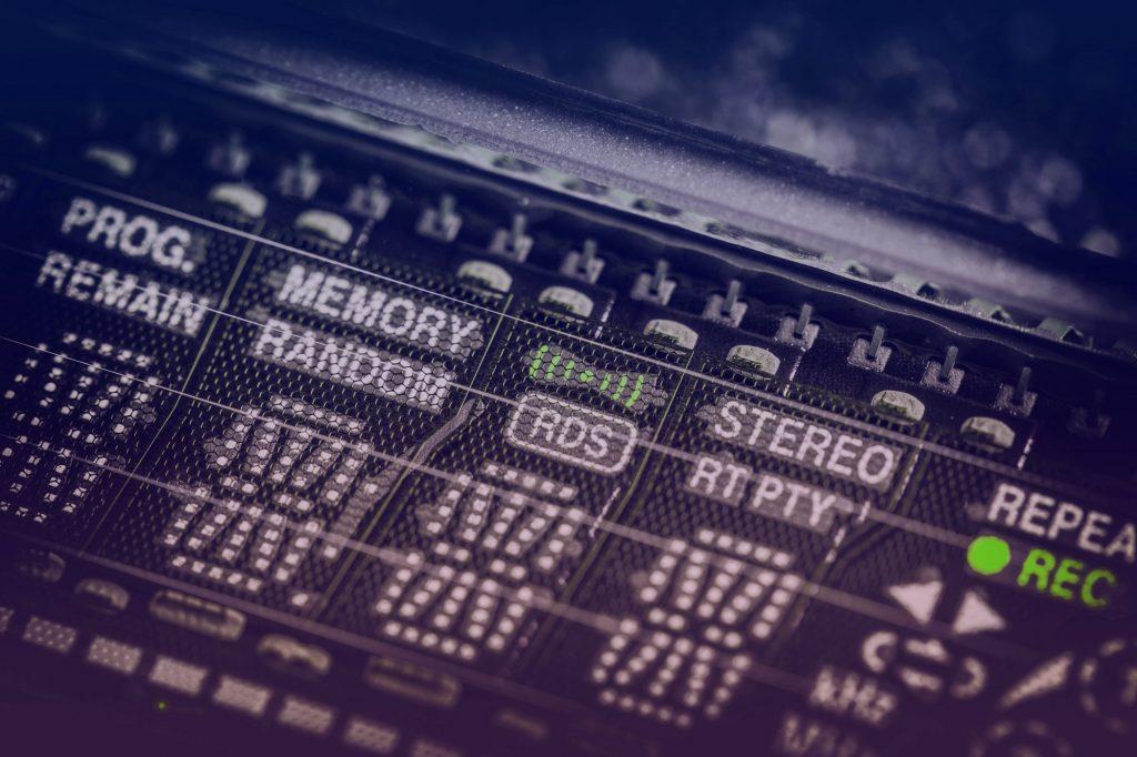 Analog vintage radio display